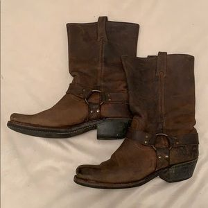 Frye calf link harness oil resistant boots